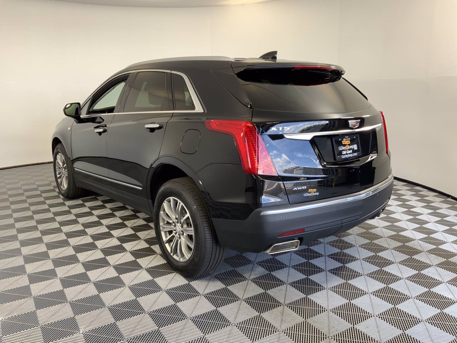Pre-Owned 2017 Cadillac XT5 Luxury AWD Sport Utility in ...